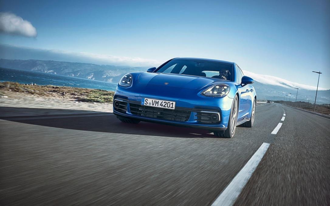 【Porsche Panamera】のヘッドライト..